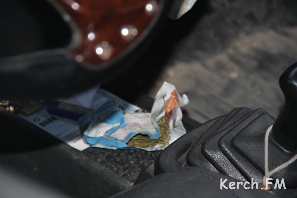 В машине нашли наркотики вся картина